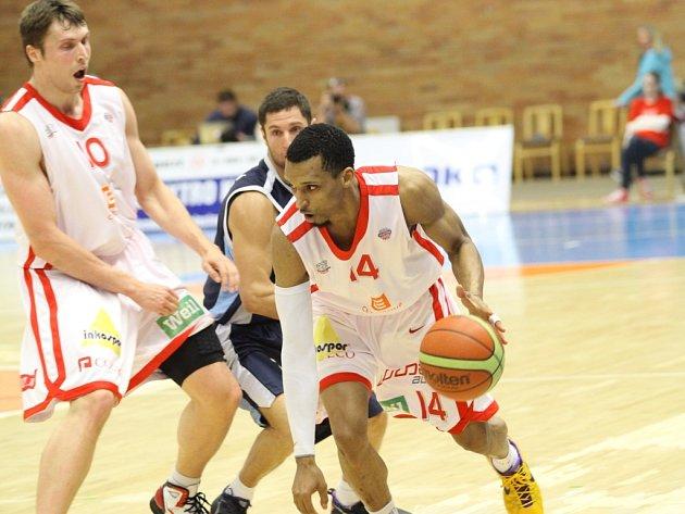 Z basketbalového utkání Mattoni NBL Nymburk - Kolín (108:65)