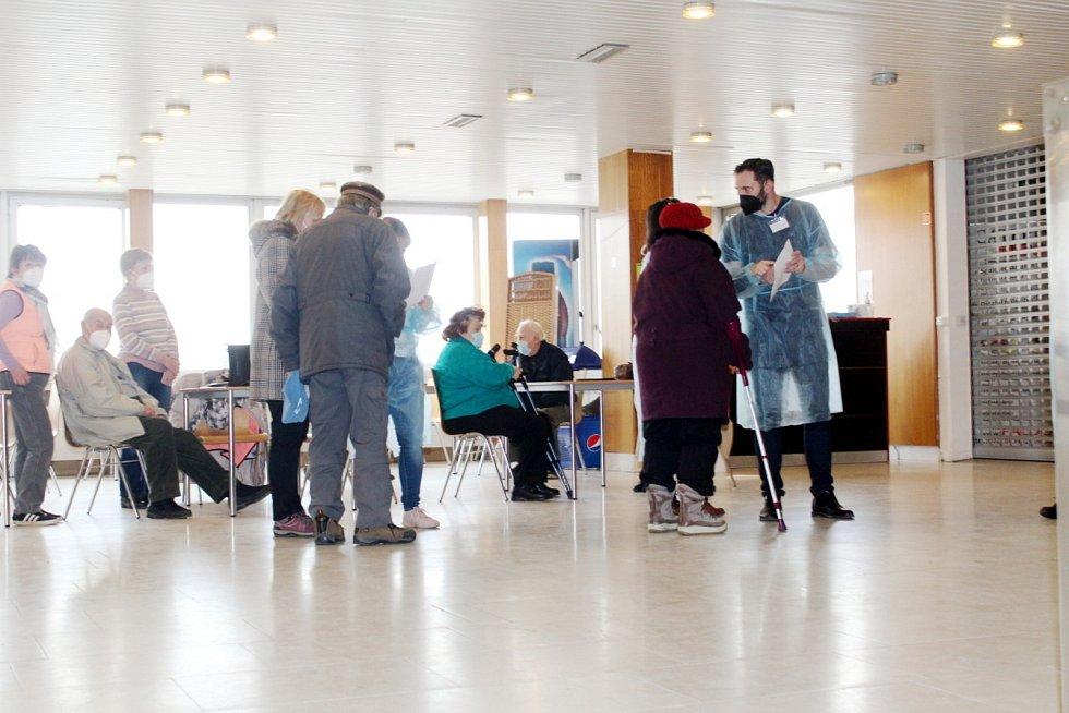 Očkovací centrum v Obecním domě v Nymburce.
