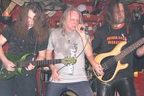 Rocková skupina Merlin se zpěvákem Horynou rozdováděla publikum