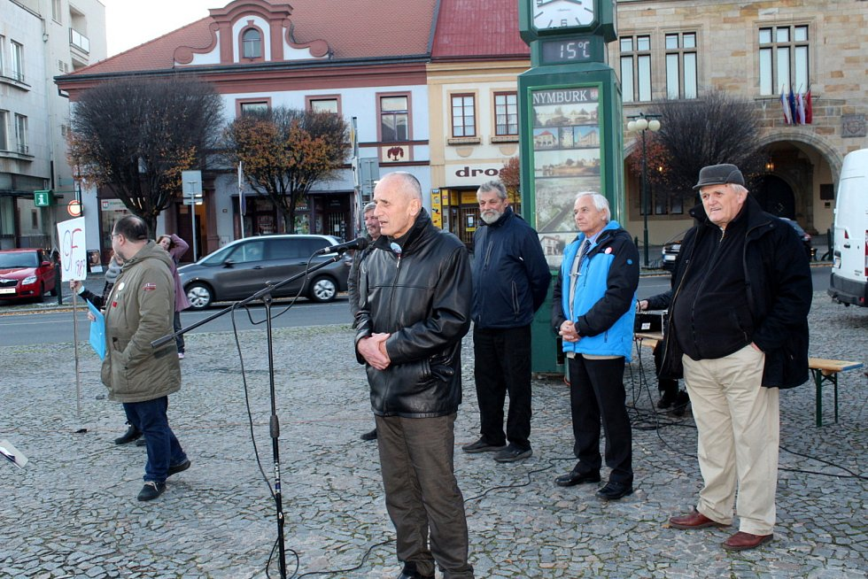 Jednou z posledních veřejných akcí, na které se objevil někdejší starosta Ladislav Kutík, byla oslava 30. výročí Sametové revoluce.