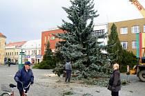Vánoční strom už je v Nymburce