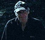 Muž, který se pohyboval u Základní školy Václava Havla v době krádeže kola.