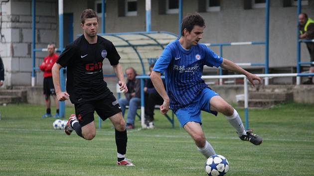Z fotbalového utkání I.B třídy Břežany - Libice nad Cidlinou (1:5)