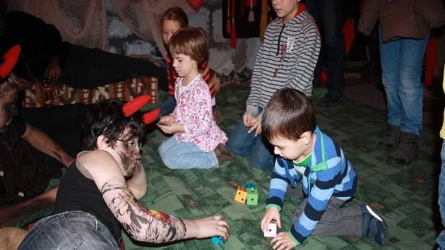 Vánoční jarmark s čertovským rojením v Poděbradech