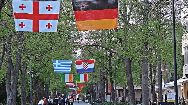 Nejen vlajky jsou předzvěstí mezinárodních chodeckých závodů družstev 2021.