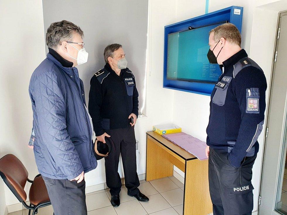 Pol point v budově Obvodního oddělení Policie ČR v Prokopově ulici v Sadské.