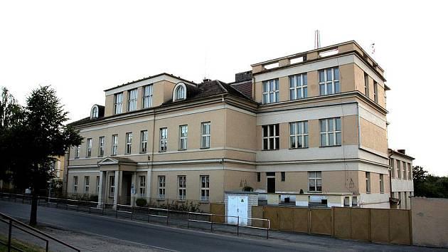 Základní škola v Přerově nad Labem.