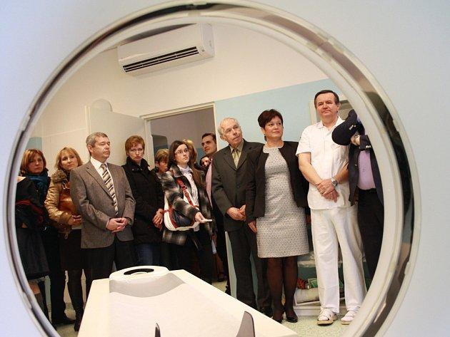 CT přístroj slouží pacientům v Nymburce už rok a půl.