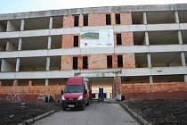Slavnostní zahájení stavby moderní školy v Milovicích