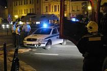 Policisté bourali před půlnocí na nymburském náměstí
