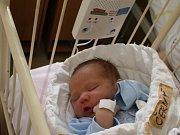 ADÁMKU NÁŠ! ADAM ČERNÝ se narodil 17. únorový den roku 2017 v 9.55 hodin. První miminko maminky Štěpánky z Milčic vážilo 3 880 g a měřilo 51 cm. Že bude mít synka, věděla maminka předem.