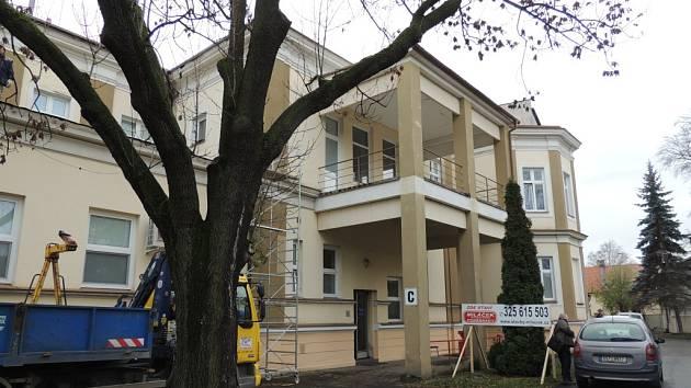 Rekonstrukce nymburské nemocnice. Pavilon C, který otevře v květnu 2016.
