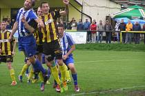 Z divizního fotbalového utkání Litol - Lovosice (1:0)