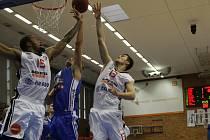 Z basketbalového utkání VTB ligy Nymburk - Tallin (79:65)