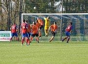 Z fotbalového utkání I.B třídy Městec Králové - Vrdy 4:1