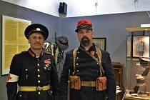 První republika v exponátech výstavy v Polabském muzeu.