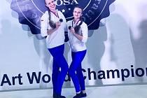 Stříbrné. Dominika Martínková (vlevo) a Viktorie Dušánková