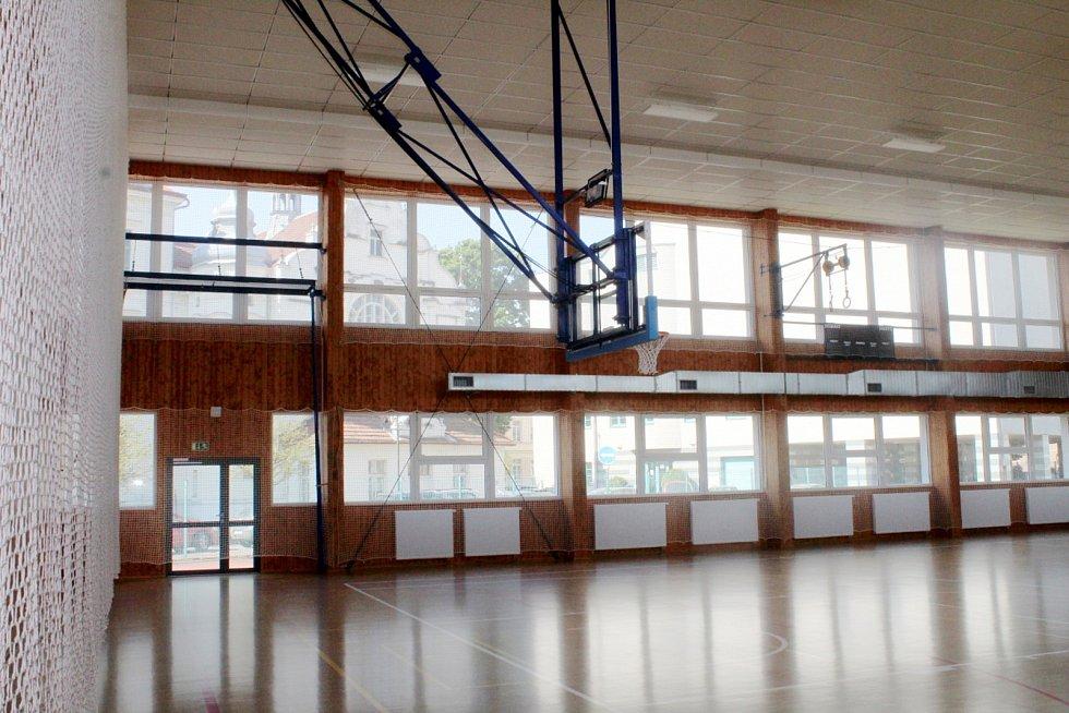 Nová sportovní hala bude sloužit žákům učiliště, basketbalové akademii i dětem z Dětského domova.