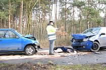 Nehoda dvou aut se stala v pátek kolem jedenácté dopoledne v Babíně