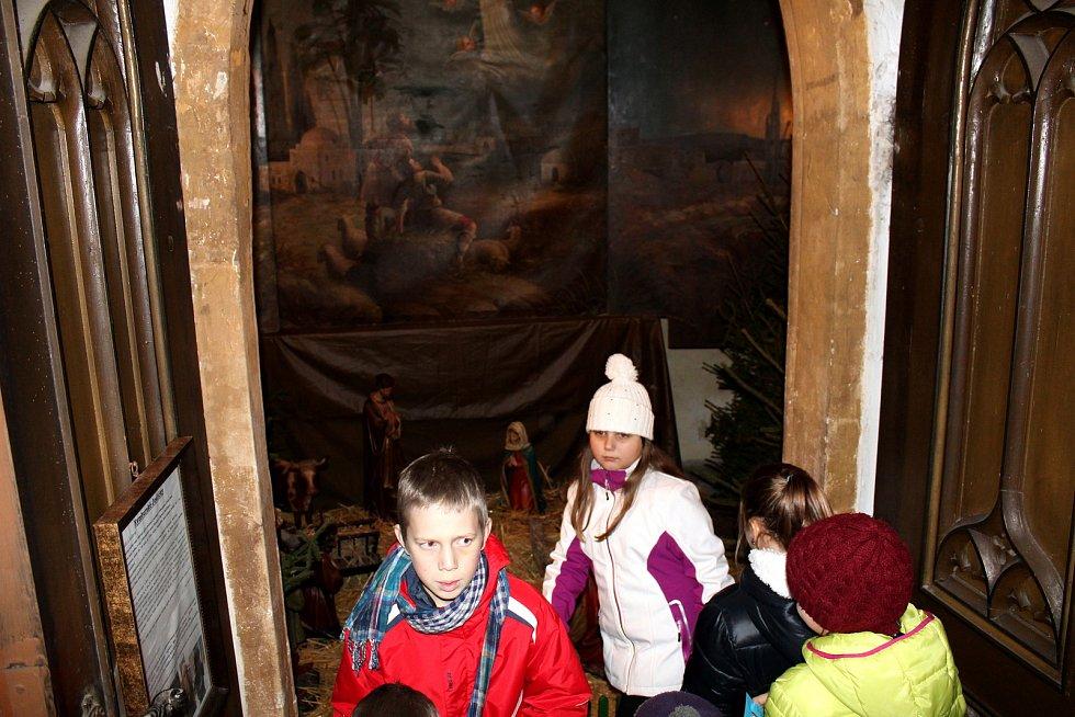 Už ve čtyři hodiny odpoledne se konala letošní Půlnoční mše v chrámu svatého Jiljí na Kostelním náměstí v Nymburce.