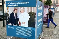 Z panelové expozice 30 let od prvních svobodných voleb, která se nachází na nymburském náměstí Přemyslovců.