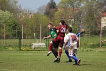 Z fotbalového utkání divizní skupiny B Polaban Nymburk - Tatran Rakovník (1:2)