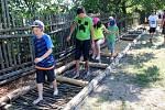 První den vyzkoušely bosostezku děti ze speciální školy v Poděbradech.