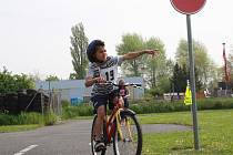 Cyklistická soutěž na dopravním hřišti v Nymburce.