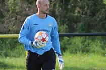 NASTOUPÍ? Už minulý týden přestoupil z Litole do Semic zkušený gólman Václav Rathouský. Dostane v derby šanci?