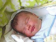 TOMÁŠ ČEPIČKA se narodil 12. března 2018 v 6.55 hodin s délkou 52 cm a váhou 3 960 g tatínkovi na přání. Z prvorozeného chlapečka se radují rodiče Tomáš a Lea z Milovic.