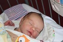 NYMBURAČKA EMMA. EMMA SKOŘEPOVÁ se narodila 3. června 2017 v 00.56 hodin. Holčička s mírami 3 080 g a 46 cm má rodiče Martinu a Michala a sestry Lucinku (14) a Michaelu (11).