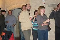 Ve středu se konal v Praze večer u příležitosti vydání literárního časopisu Reví Mítink. V něm publikují i tři básníci z Nymburska
