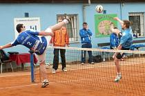 PORÁŽKA. Podruhé v letošní extraligové sezoně prohráli nohejbalisté Čelákovic. Tentokrát s týmem Modřic
