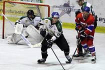 Z hokejového utkání druhé ligy Nymburk - Bílina (11:1)