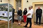 Zástupci projektů z výstavy Má vlast cestami proměn se setkali v Polabském muzeu.