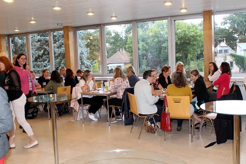 V týdnu od 20. září 2021 se konalo shromáždění všech, kteří se podílejí na chodu očkovacího centra v Obecním domě.