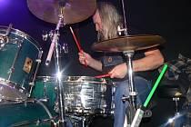 Na Loučeni zahrály rockové kapely Oliverova dálka a U-73 Jardy Tomka.