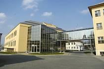 Zájemci, kteří mají zájem se soutěže o provozování nymburské nemocnice zúčastnit, musí splnit několik podmínek. Rozhodovat bude mimo jiné také výše nabídnutého nájemného.
