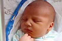 MAX JE DRUHÝ POTOMEK V RODINĚ. Max Prejza spatřil světlo světa 30. října 2013. Po narození se pyšnil výškou 53 cm a váhou 4190 g. S maminkou Veronikou, tatínkem Kryštofem a tříapůlletým bráškou Samuelem bydlí v Sadské.