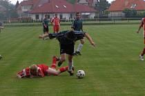 Fotbalisté Lysé dokázali jako první v letošní sezóně porazit suveréna - celek Kouřimi.