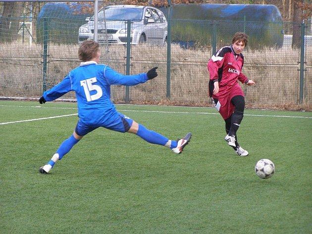 Z přípravného fotbalového utkání Slovan Lysá - starší dorost FK Kolín (3:3)