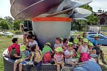 První děti z nemocniční školky usednou na podzim do školních lavic.