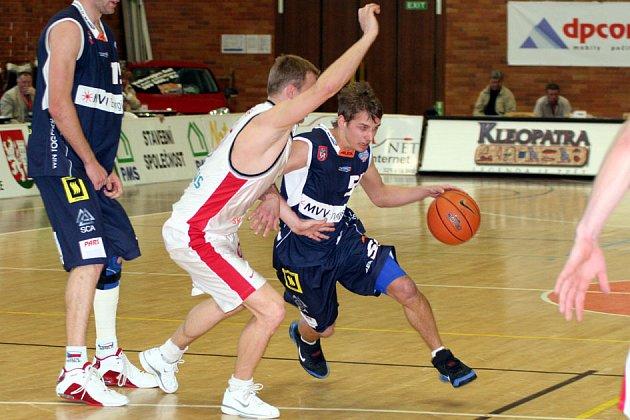 Nymburk v pohodě porazil druhý tým tabulky.