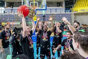 Šampioni. Basketbalisté Nymburka mají za sebou opět neuvěřitelnou sezonu, dařilo se jim na třech frontách