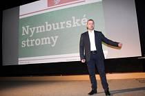 O stromech v Nymburce, jejich stavu a vizích do budoucnosti, mluvili odborníci v kině Sokol.