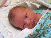 JAKUB Lešl se narodil v úterý 12. prosince 2017 v 5.09 hodin s mírami 48 cm a 2 880 g. Z prvorozeného se radují rodiče Michal Lešl a Lenka Hlaváčková z Milovic.