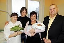 Prvním miminkem roku 2013 na Nymbursku je Evelínka Dědková.