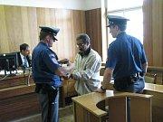 Obžalovaný Cyril Godla si vyslechl rozsudek za pohlavní zneužívání nezletilých děvčat.