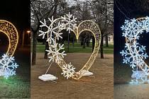 Tři srdce zdobí lázeňský park v Poděbradech.