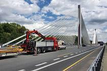 Most na 41. dálničním kilometru nedaleko Poděbrad.